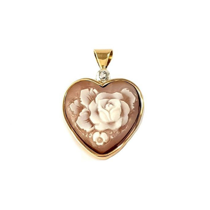 Gold pendant with cameo and diamonds