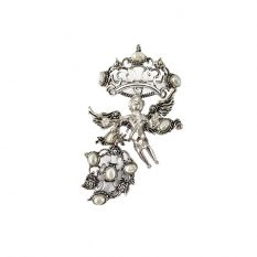 Amorino pendant with pearls